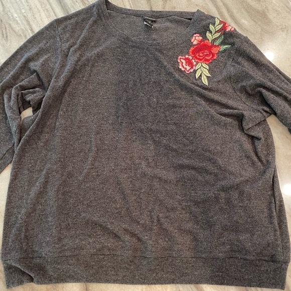 Torrid gray pullover shirt